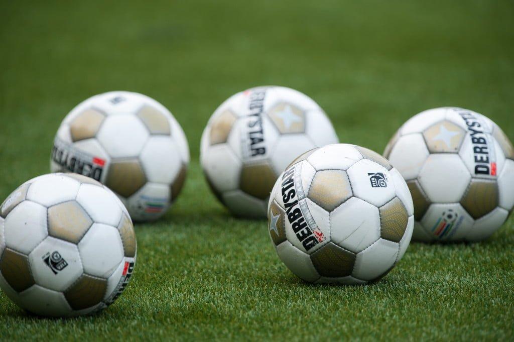HATTEM - Voetbal, Eredivisie voorbereiding, PEC Zwolle - Almere City FC, seizoen 2012 - 2013, 27-07-2012, Derbystar ballen
